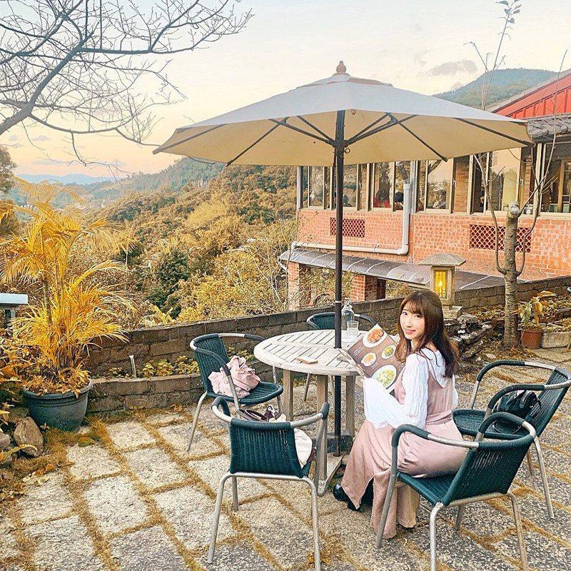 ▲北部過年走春景點-紅木屋休閒茶館。(圖/kaoru.213, Instagram)