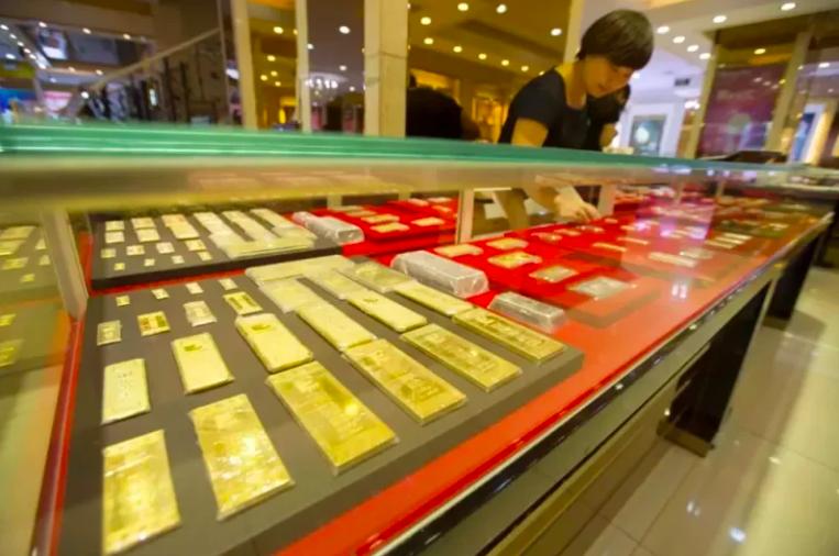 2020年大陸黃金產量為365.3噸,年減產14.8噸,下滑3.9%。搜狐網