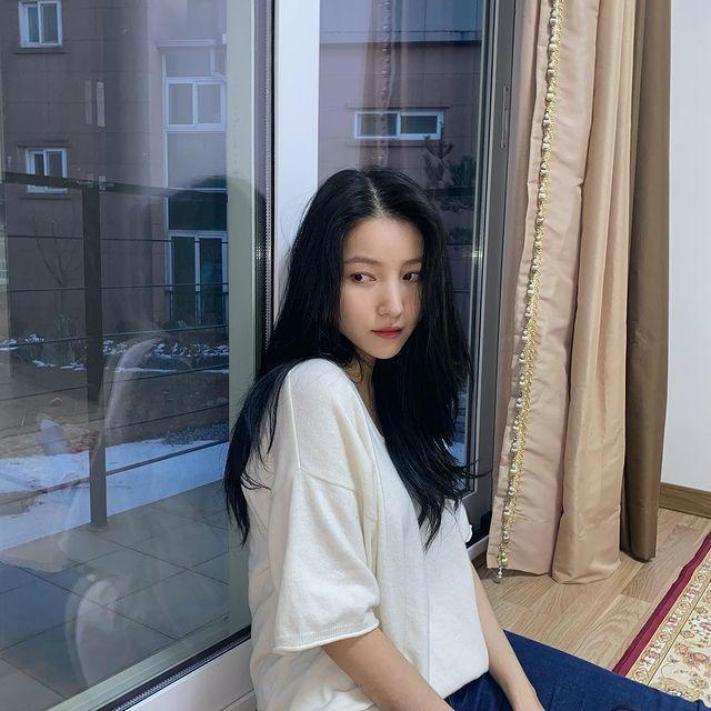 GFriend的隊長Sowon誤發爭議照片,公司已經發表道歉聲明。圖/摘自Ins...