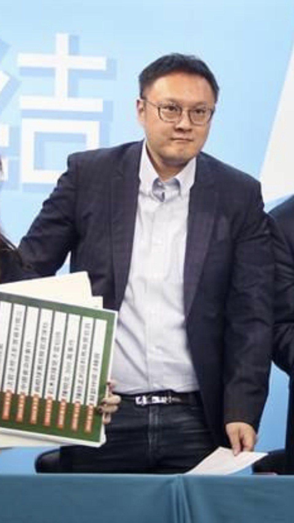 國民黨文傳會副主委鄭照新認為,國民黨歡迎趙少康重返。圖/取自臉書