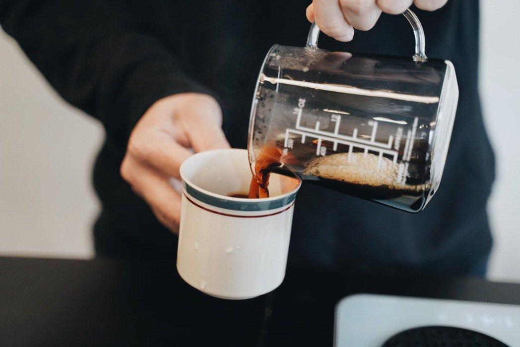 Brad希望能夠在「kikumo菊も」逐步推廣喝咖啡的風氣。 圖/沈佩臻攝影