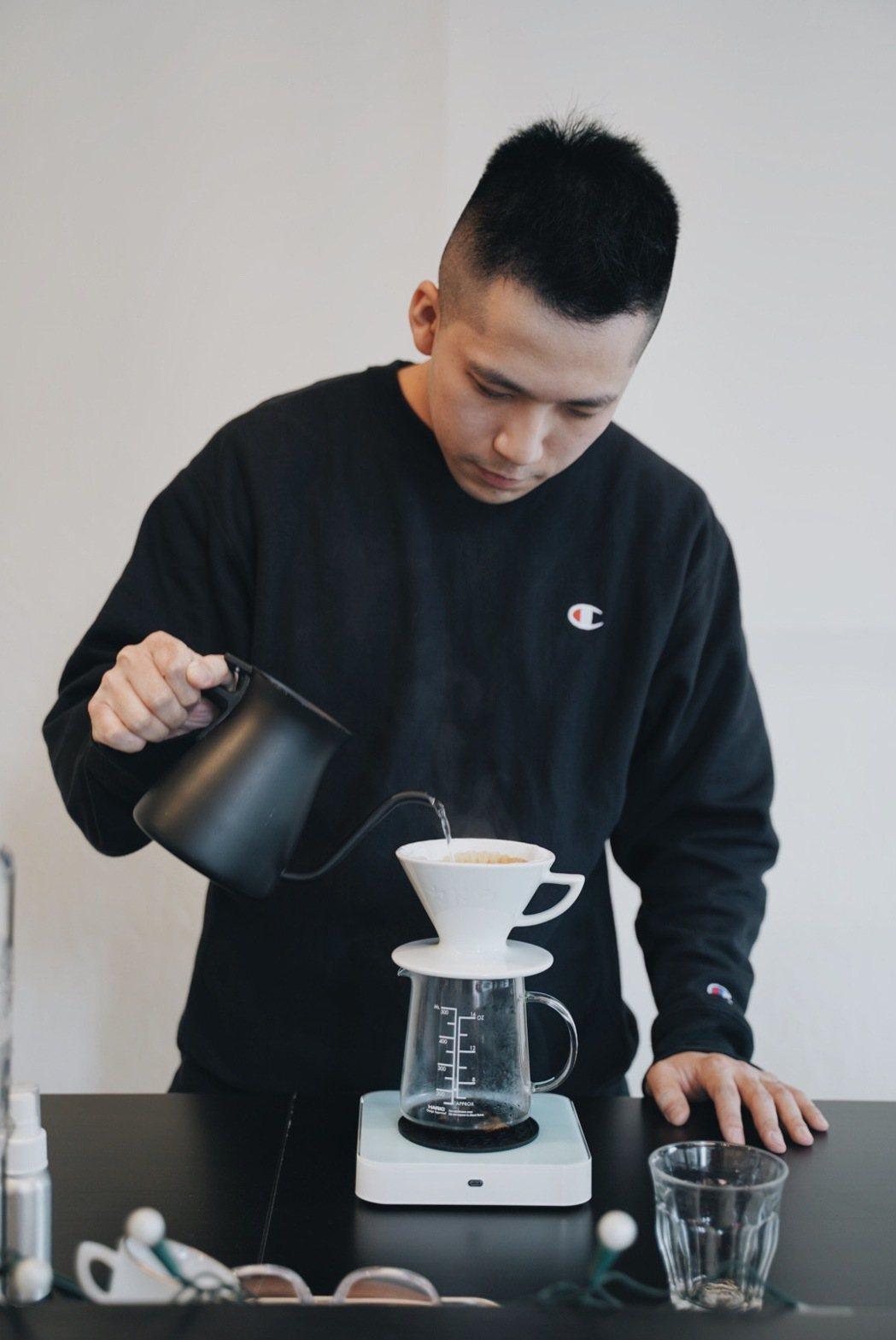 除了義式,「kikumo菊も」也提供手沖咖啡。 圖/沈佩臻攝影
