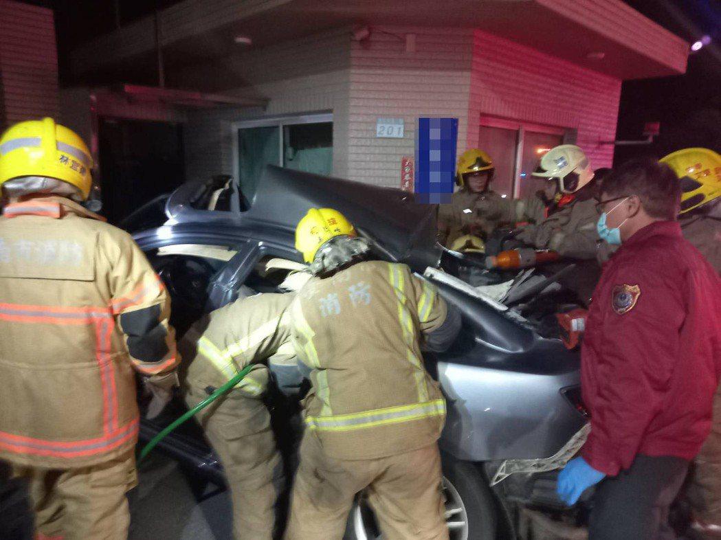 台南台江大道車禍6人無呼吸心跳,3人送奇美醫院急救宣告不治。圖/本報資料照片