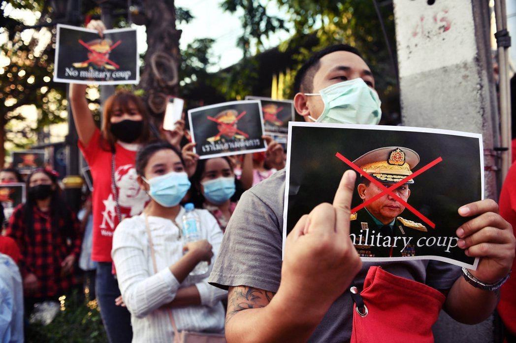 「一模一樣的軍人爛招,泰國人看多了——我們都清楚政變之後,國家會被這些政變得利者...
