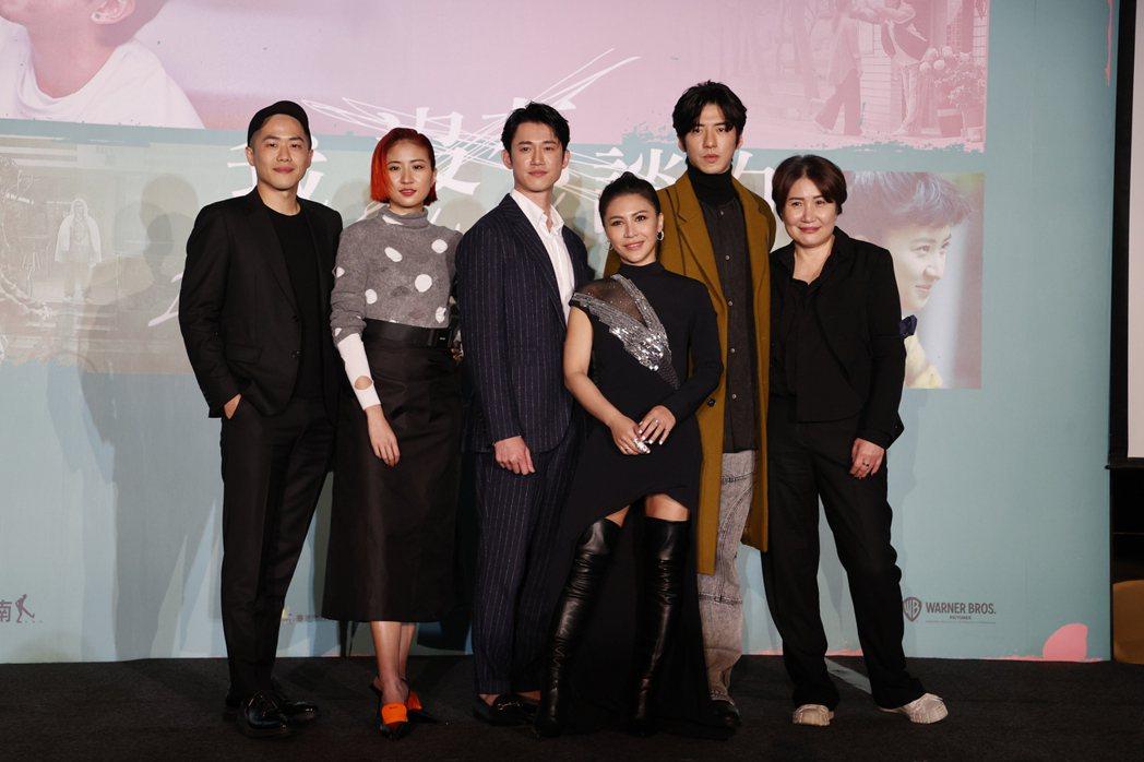 電影「我沒有談的那場戀愛」中午在台北舉行記者會,邀請導演許智彥(左起)、演員9m...