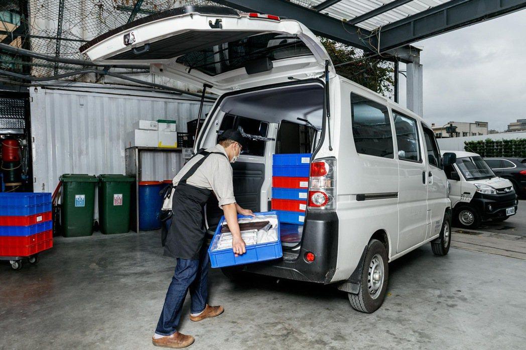 e-VERYCA室內可堆疊的靈活載貨空間也能援助各種需求的外燴訂單。 圖/中華三...