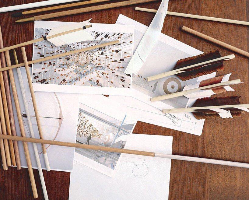 布娜·諾里(Prune Nourry)設計的弓箭,正在進行義賣。圖/Le Bon...