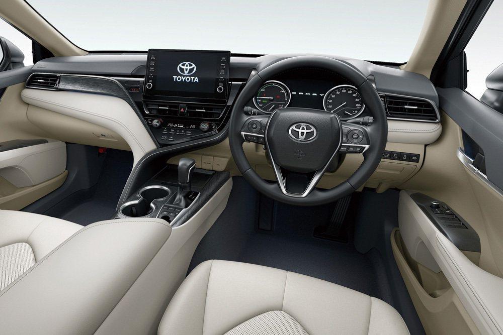 新年式Camry內裝也進行小幅度優化。 摘自Toyota.jp