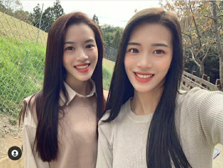 南投縣埔里鎮正妹王新雅(右)被稱為「香菇公主」,她還有個雙胞胎妹妹王新嵐。圖/翻攝自王新雅IG