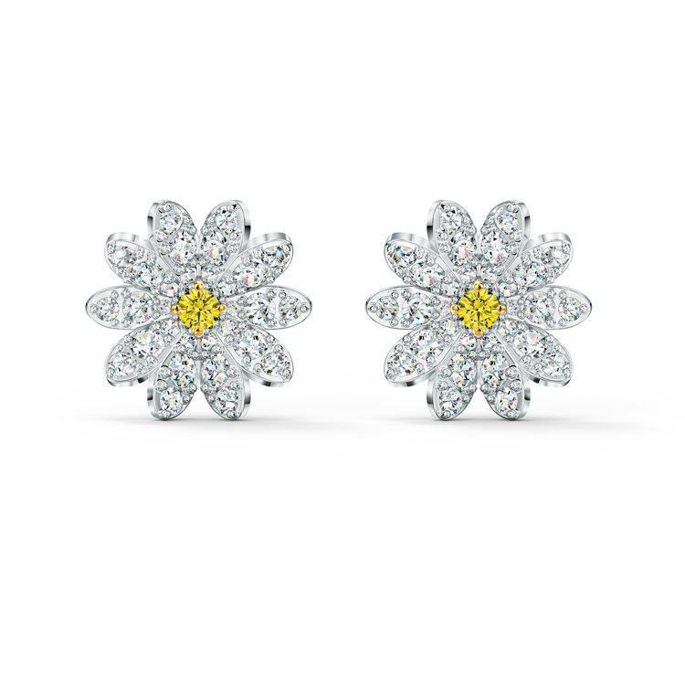 Eternal Flower穿孔耳環,3,790元。圖/施華洛世奇提供