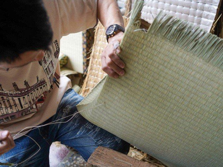 台南泉興榻榻米是台灣少見手工榻榻米工藝,從日治時期存在至今。圖/匠生活提供