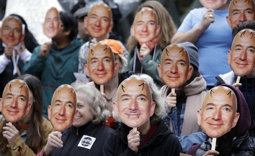 Amazon正面臨的反托拉斯調查、聽證、乃至於懲罰,不會因貝佐斯的表面退場而鬆手...