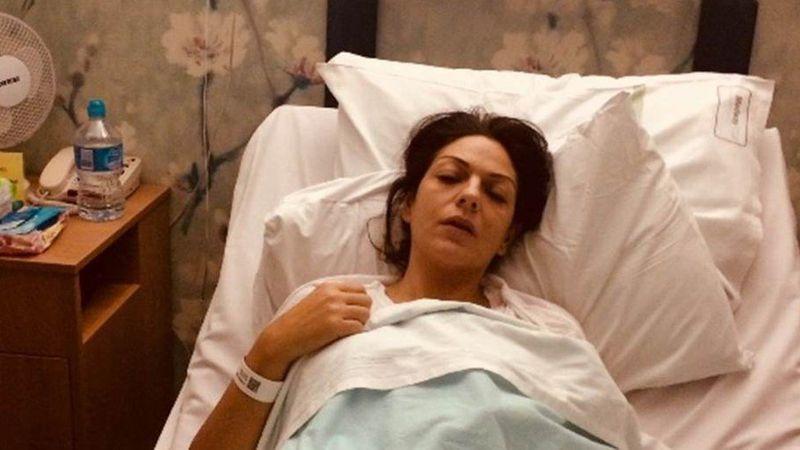 英國女性在集資頁面放躺在病床的照片,說自己罹患卵巢癌急需「救命金」,但實際上這是她接受膽囊切除手術時的照片。圖/取自bbc