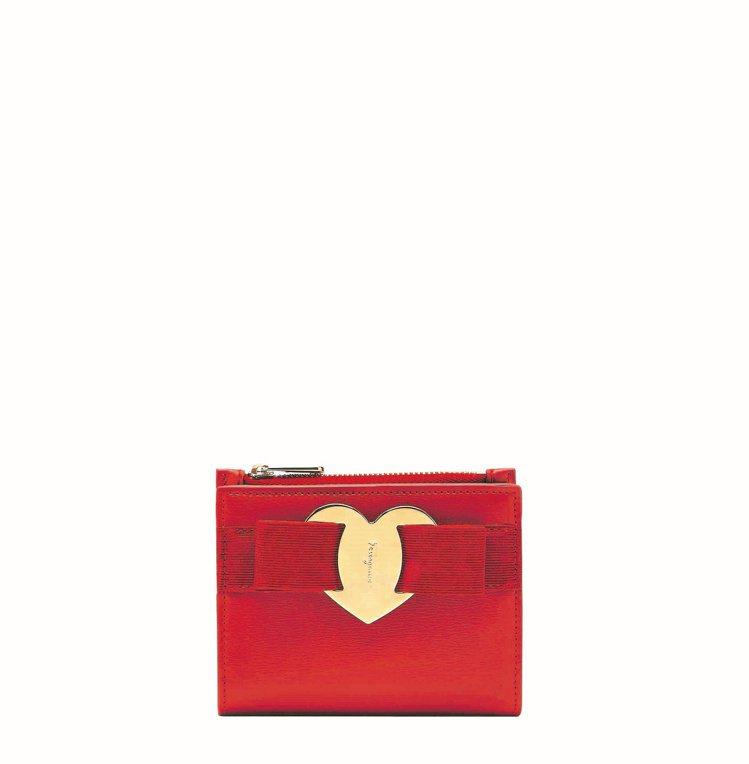 Vara紅色小牛皮短夾,19,900元。圖/Salvatore Ferragam...