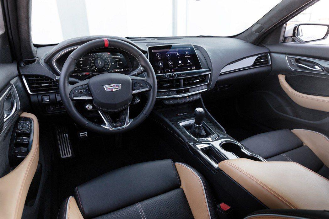 簡約大氣的內裝維持一貫美式車的特色。 圖/Cadillac提供