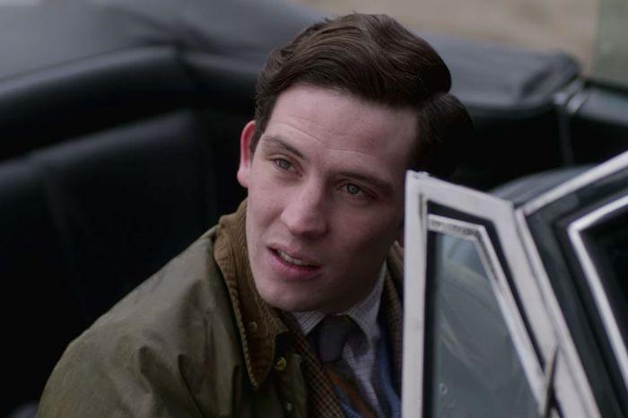 影集《王冠The Crown》中Josh O'Connor飾演的查爾斯王子穿Ba...