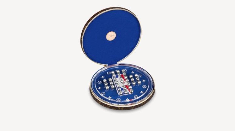 Louis VuittonxNBA聯名跳棋套裝以皮革、樹脂玻璃及Monogram...