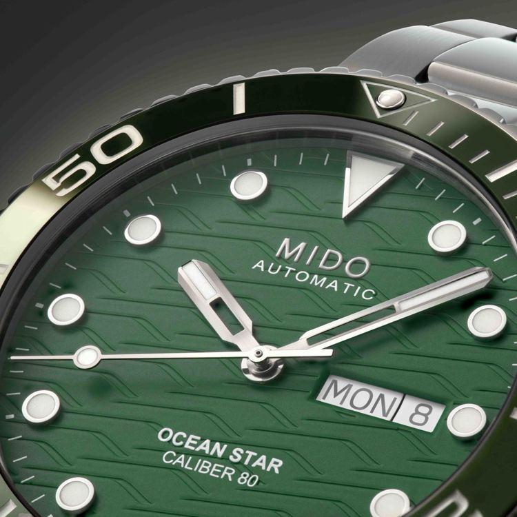具有時間、日期、星期功能顯示的MIDO Oceanstar 200米海洋之星潛水...