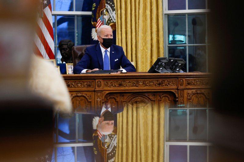 白宮發言人莎琪表示目前無法預測拜登(圖)與習近平何時會通話。 路透社
