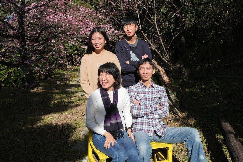 寒假第一天,上山來的一家人 (難得一見的幸福家人,在一起時沒有人在滑手機,享受當下最美時光)
