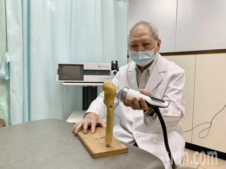 王清貞(見圖)醫師表示,喝酒、外傷及口服藥物都是引起股骨頭缺血性壞死的原因,若不...