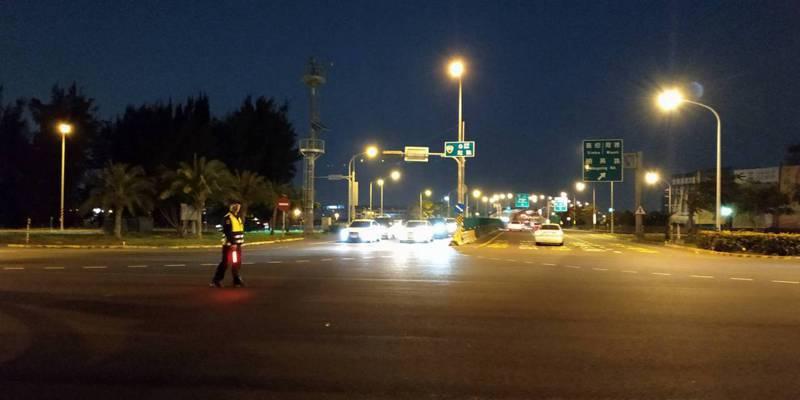 舊曆春節八天連假,台南警方規畫交通崗215處、預計動員警力5135人次、民力2075人次,彈性運用,視交通狀況,採燈控、常綠、指揮疏導等交通管制措施。記者邵心杰/翻攝