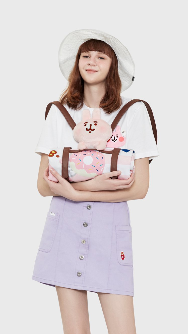 :CHOCOOLATE卡娜赫拉的小動物系列粉紅兔兔毛公仔連P助背包 1,799元...