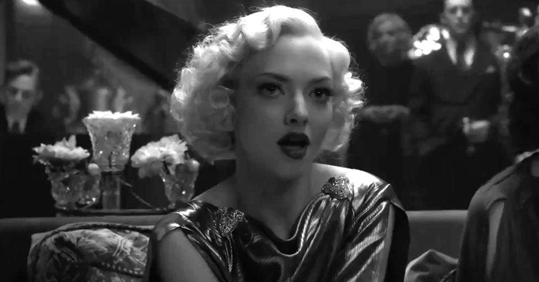 亞曼達賽佛瑞一改性感偶像形象,以「曼克」提名最佳女配角。圖/摘自推特