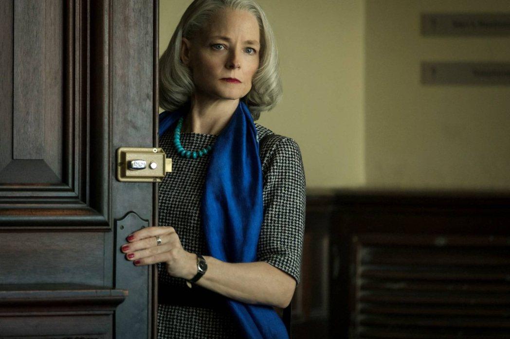 茱蒂佛斯特以「失控的審判」提名金球獎最佳女配角。圖/Catchplay提供