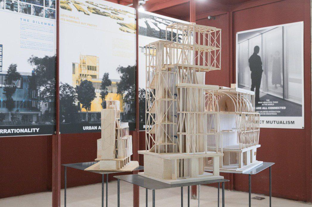 邱文傑日前在「山屋.芝山」舉行「間接共生」建築展。攝影/陳立凱