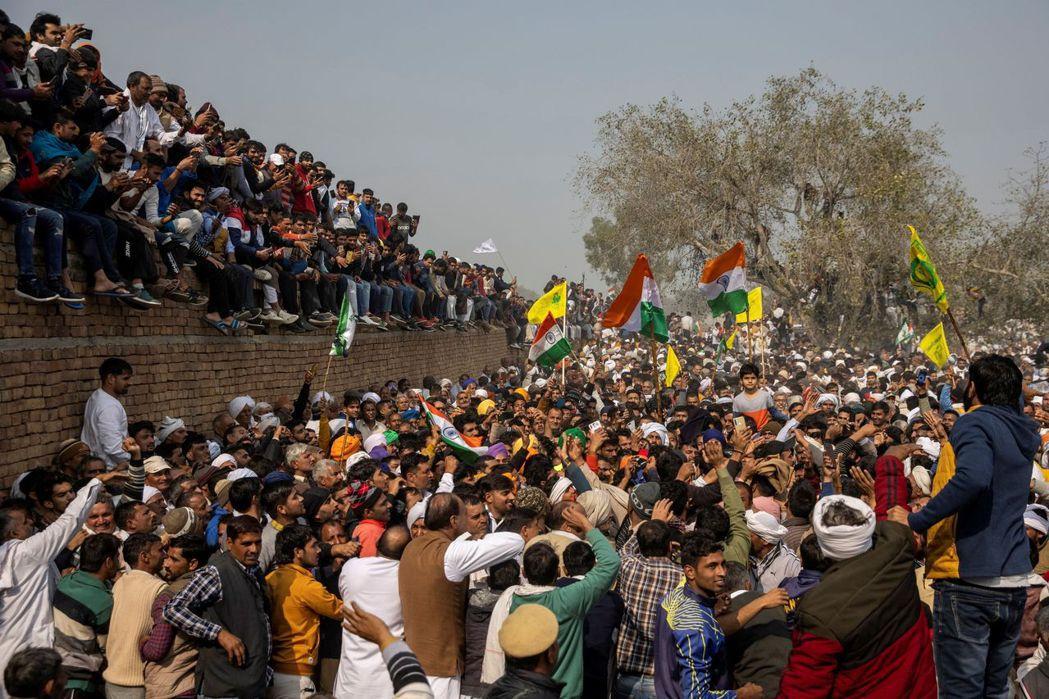 發動百萬農民包圍德里的「印度反農改大抗爭」至今仍在首都外圈大規模集結,示威規模與...