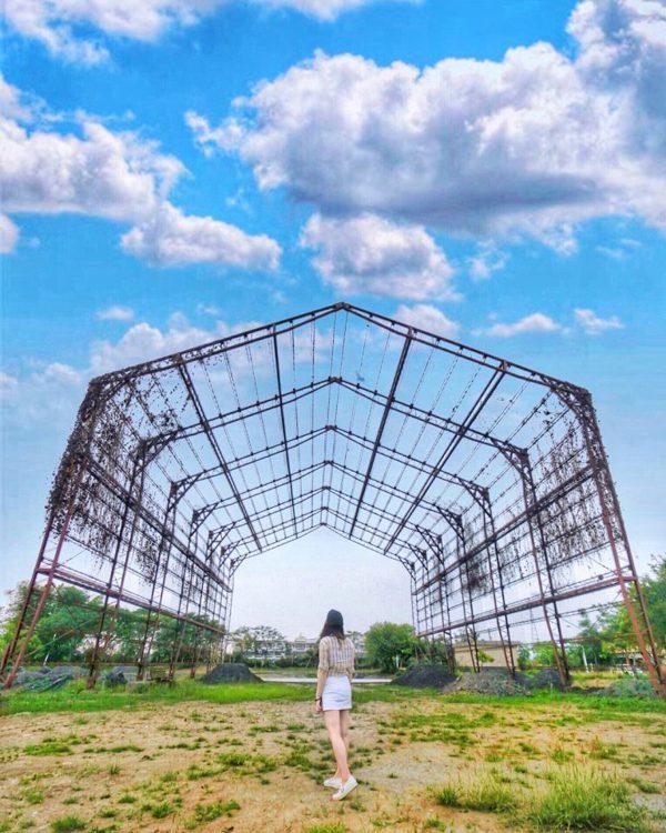 充滿知性美的日式建築,周邊還有大型紙漿槽供人拍照。 圖/IG@amber1310...