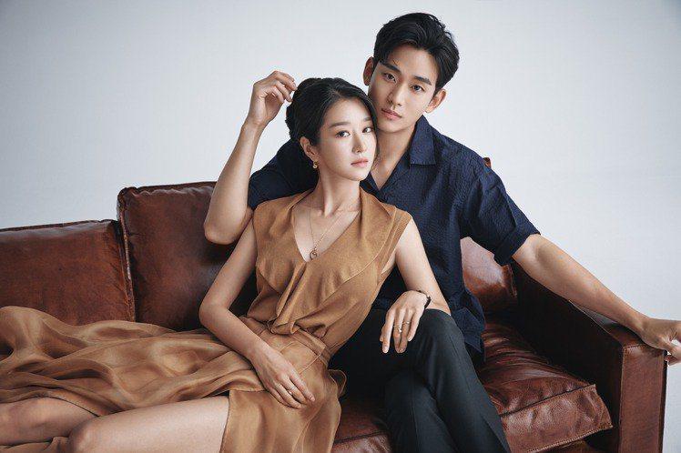金秀賢和徐睿知一起演出「雖然是精神病但沒關係」。圖/取自網路 孫曼