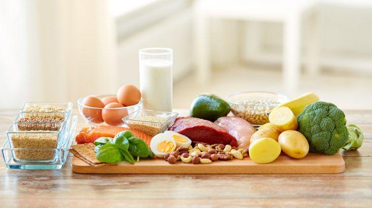 每逢佳節胖三斤?營養師傳授5招,讓你過年享受美食身材不失控