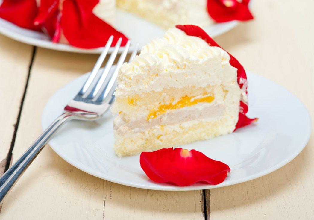 馬來西亞男子訂購了5個芒果蛋糕,並預定於情人節時分送給5個不同的女友。示意圖/I