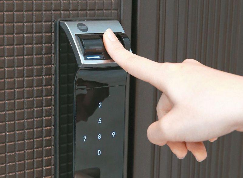 電子鎖成為許多新成屋的首選設備。圖/聯合報系資料照片