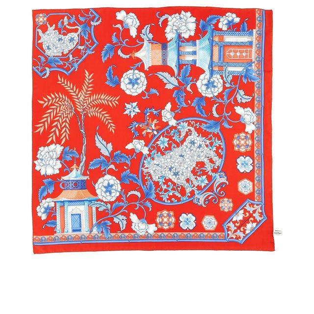 牛年限定版絲巾(紅),15,500元。圖/Salvatore Ferragamo...
