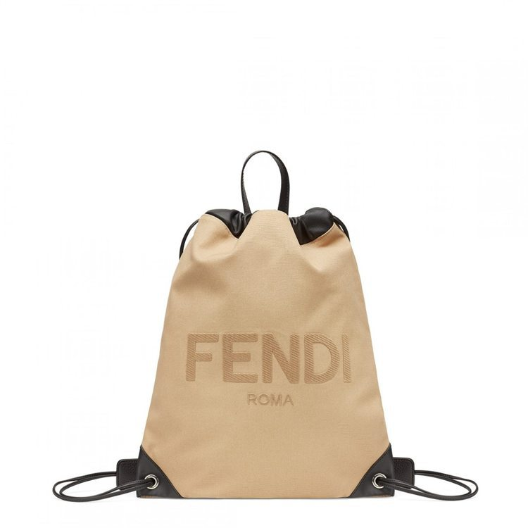 男款FENDI束口設計後背包,39,000元。圖/FENDI提供