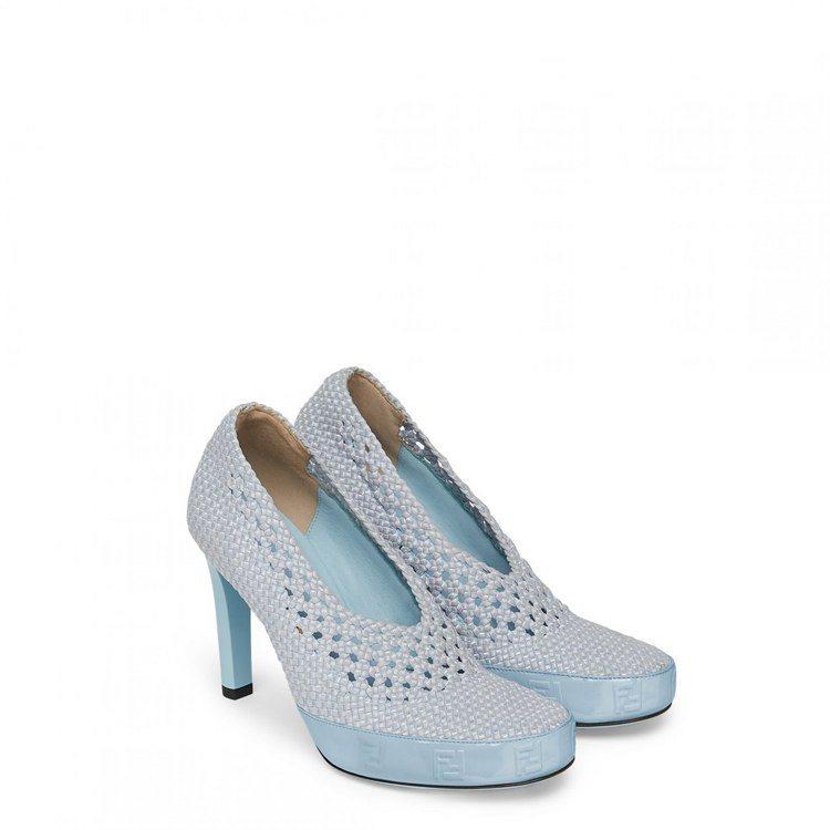 FENDI編織網眼高跟鞋,35,900元。圖/FENDI提供