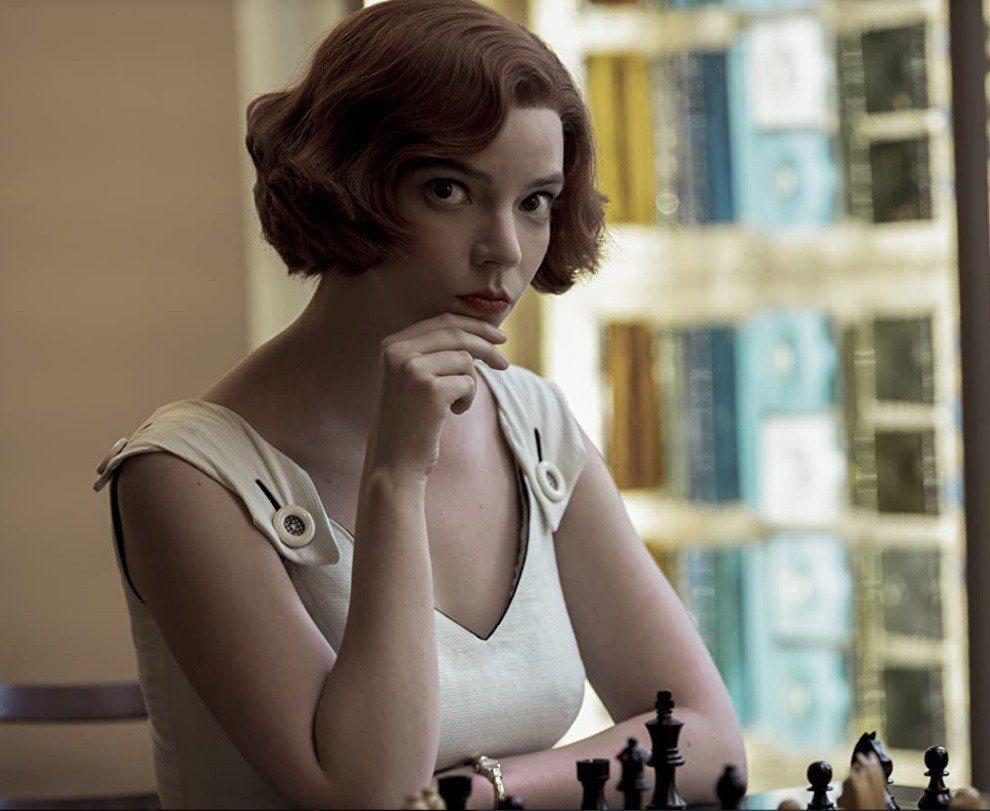 安雅泰勒喬伊主演Netflix迷你影集「后翼棄兵」開出紅盤,也助她問鼎視后。圖/...
