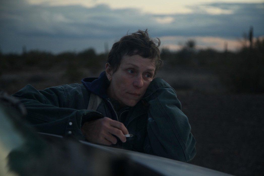 「游牧人生」去年勇奪威尼斯影展金獅獎,如今入圍金球獎4大獎,是今年呼聲最高電影之...