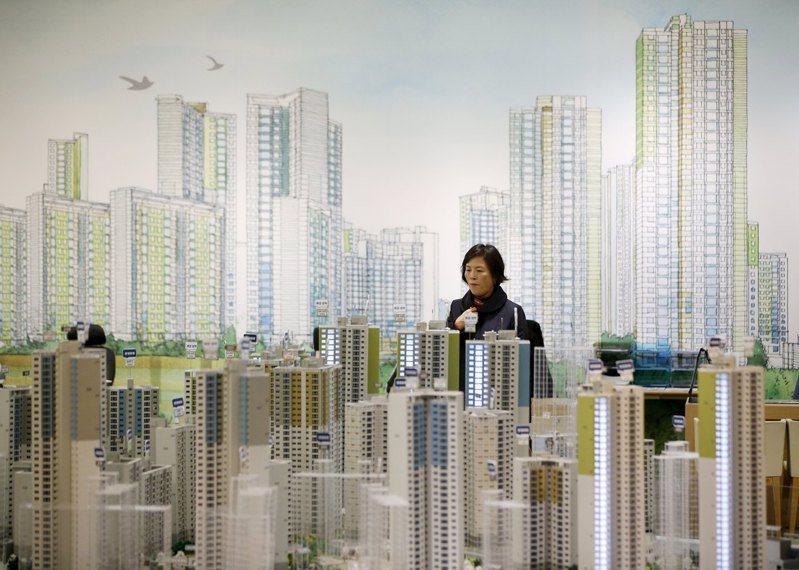 南韓政府將擴大住宅供給,平抑房價。(路透)