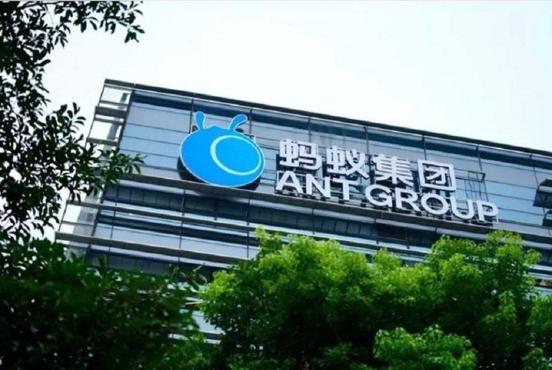 阿里巴巴旗下的南華早報報導,螞蟻集團已就集團重組計畫,與大陸金融監管機構達成協議,計畫涉及螞蟻集團主要業務,納入一家金融控股公司。搜狐科技