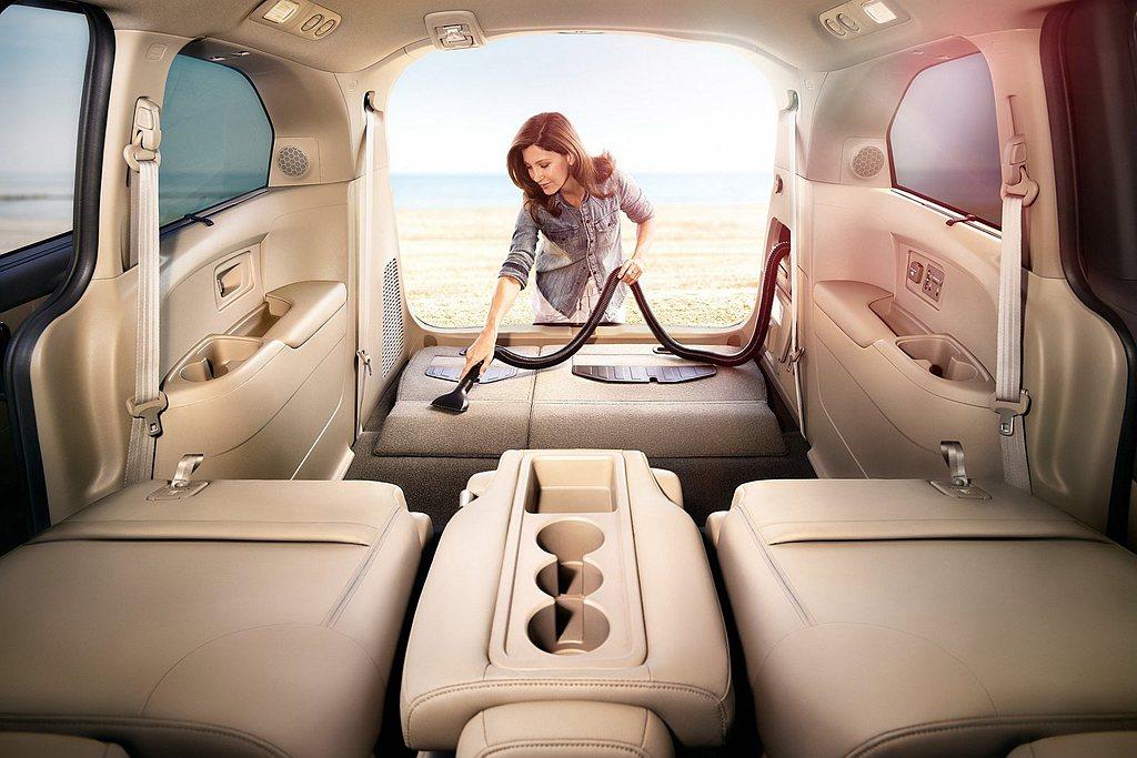 美規Honda Odyssey有一項車載吸塵器配備賣點,但在新年式車型上卻取消了...