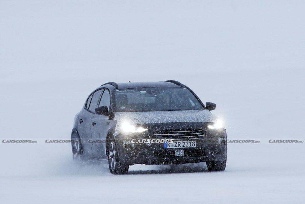 小改款Ford Focus Active偽裝測試車的車頭造型似乎更加以Monde...