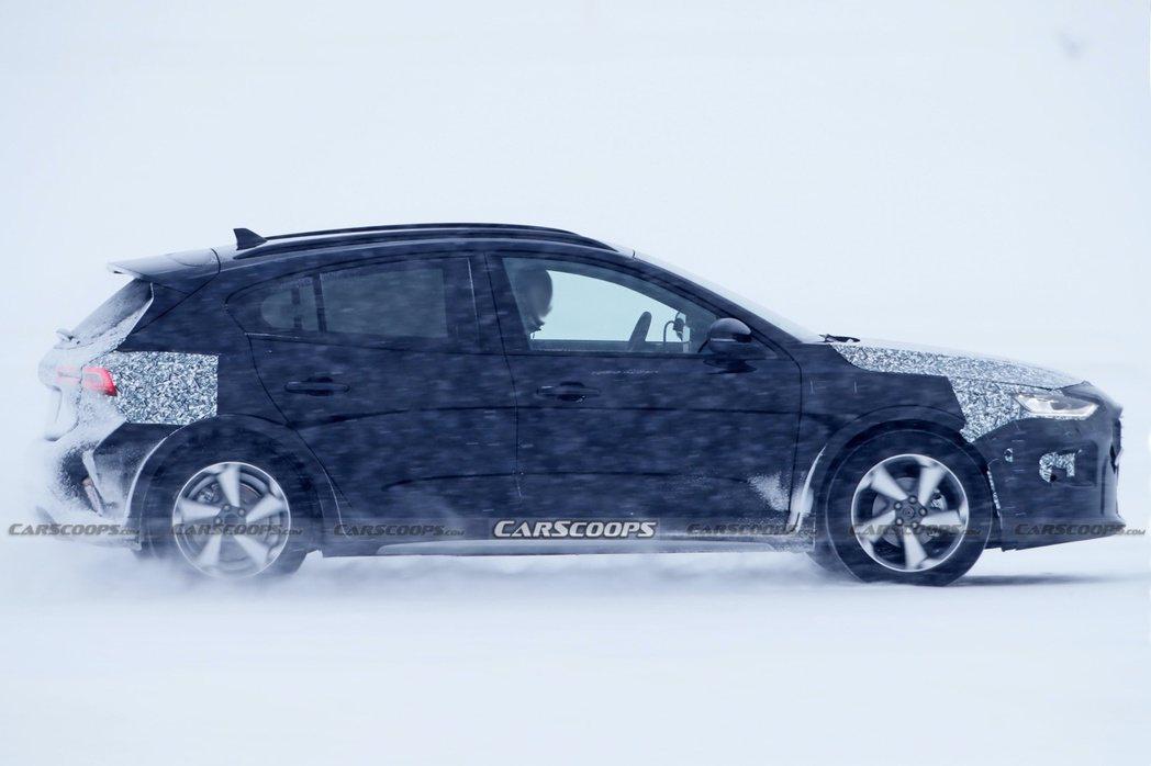 小改款Ford Focus Active偽裝測試車。 摘自Carscoops