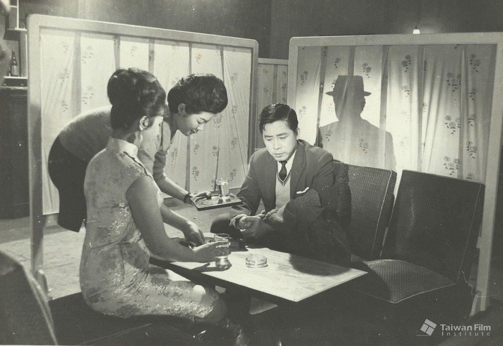 《六個嫌疑犯》工作照。典藏者:林嘉義。數位物件典藏者:國家電影及視聽文化中心。 圖/開放博物館