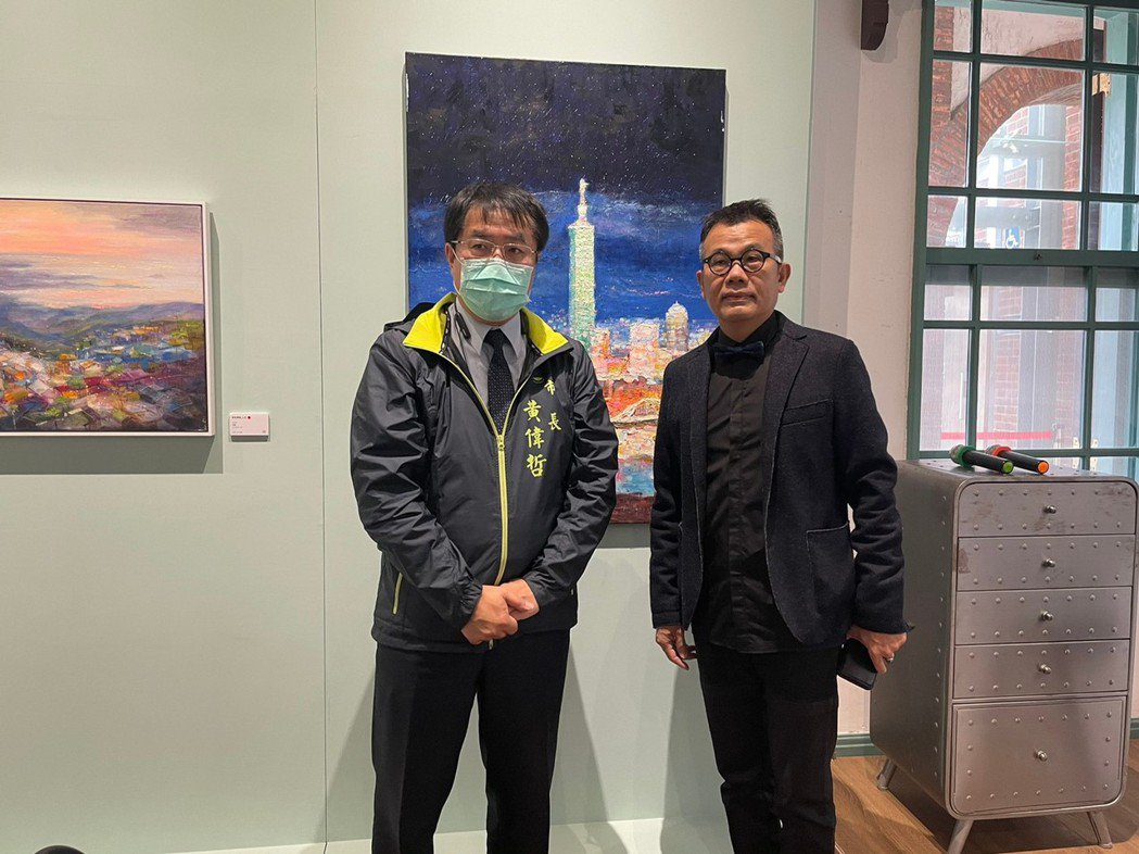 台南市長黃偉哲(左)及知事官邸生活館總監呂賢文。