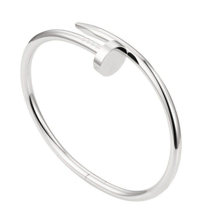 卡地亞JUSTE UN CLOU白K金手環,約22萬4,000元。圖/卡地亞提供