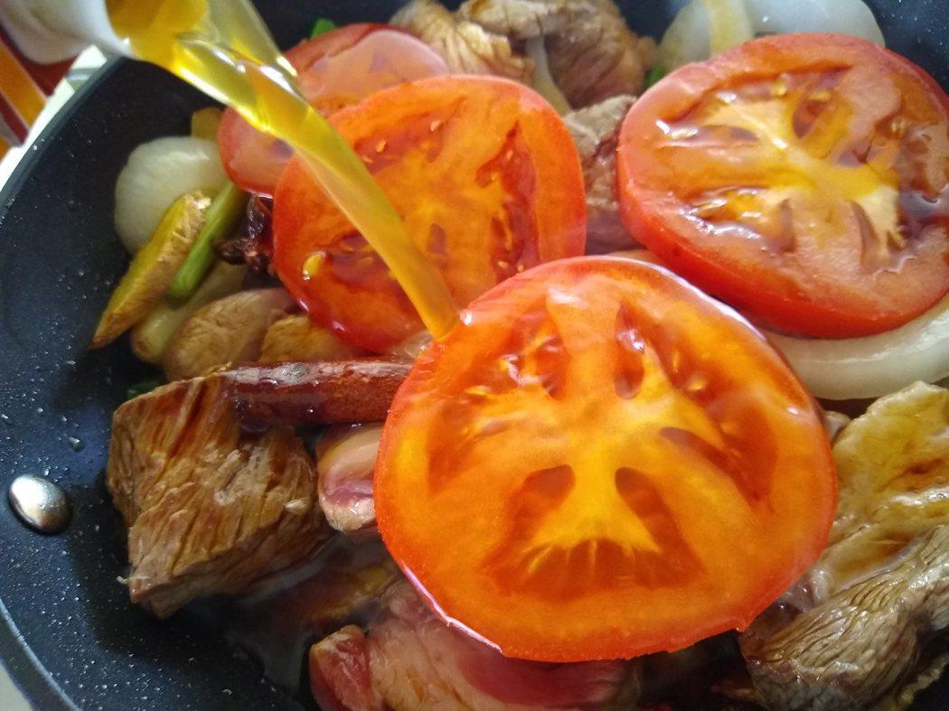 圖文:美國番媽/食譜/相思蕃茄牛肉麵